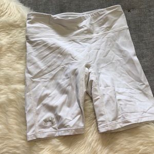 Under armour white compression shorts sz.XS 7 inch